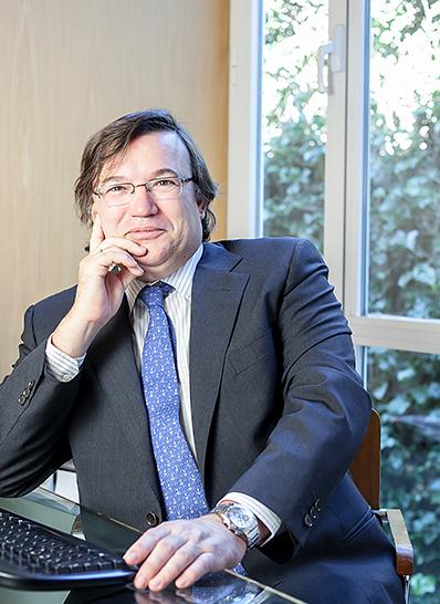 Dr. José Enrique Povedano Cañizares - Doctores Povedano
